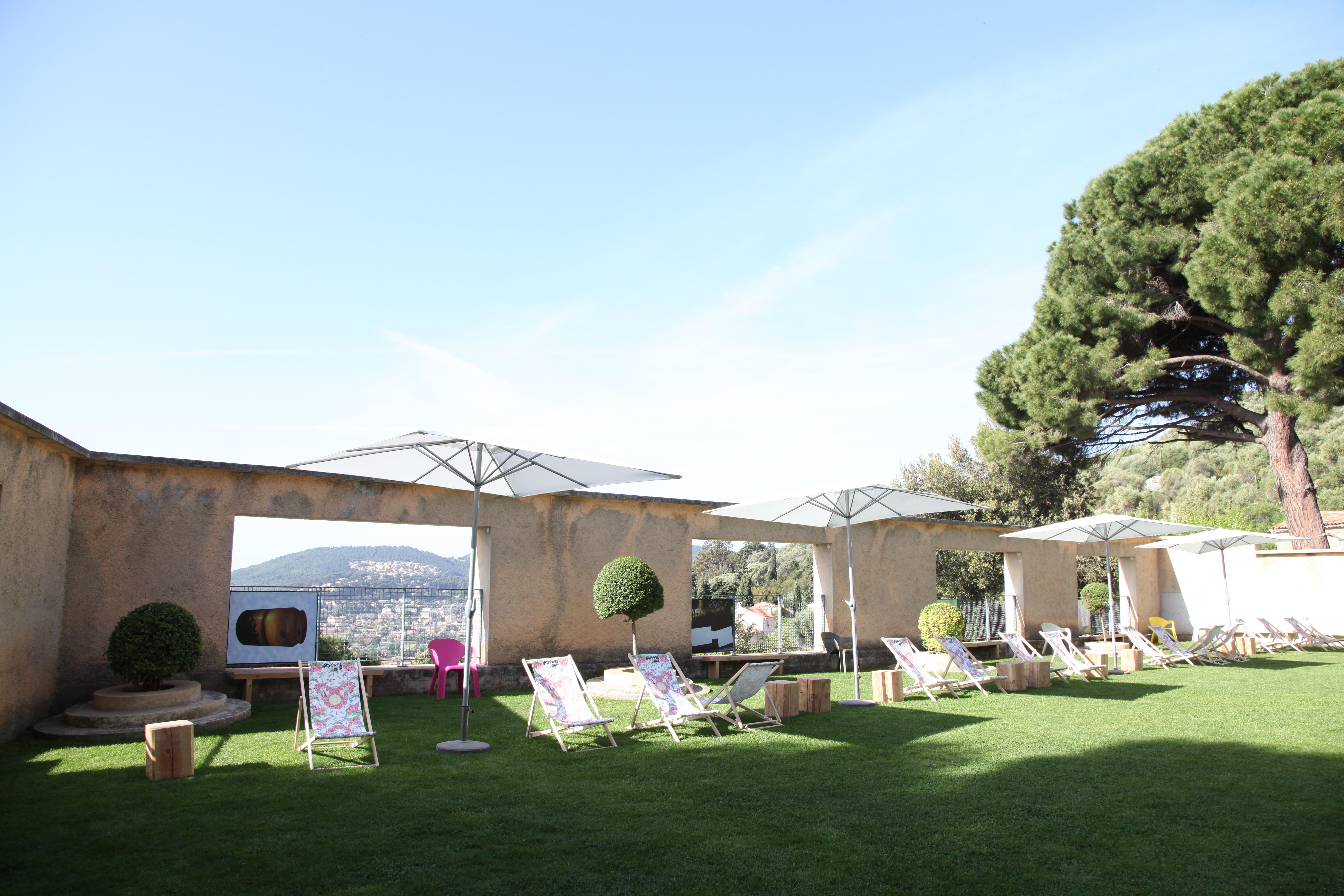 Chilling Villa Noailles Hyeres2012 Facescoop