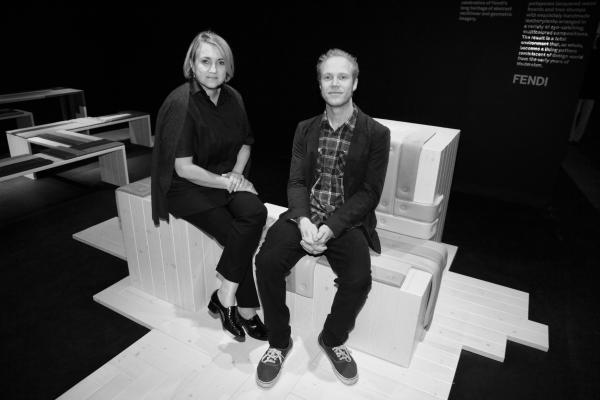 2 La créatrice Silvia Fendi et l'artiste Marteen de Ceulaer