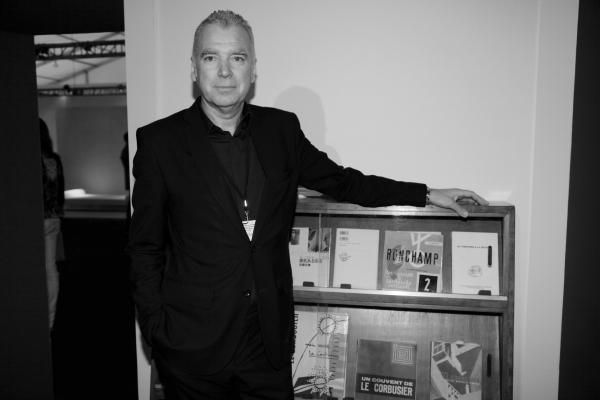 8 Patrick Seguin, l'une des figures incontournables du marché du design du XXe siècle