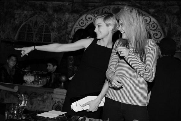 Jessica Stam et Alison Mosshart