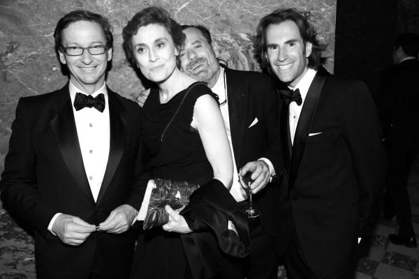le galeriste Thaddeus Ropac, la journaliste Natasha Fraser-Cavassoni, le paysagiste Louis Beneche et Pierre Pelegry, directeur de chez Maxim's