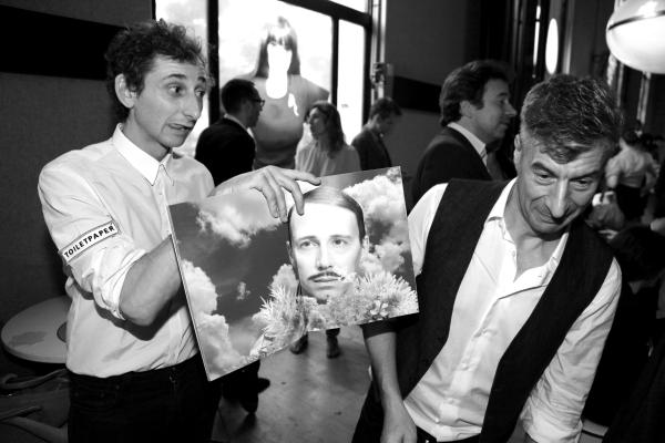 les fondateurs du magazine ToiletPaper, le photographe Piepaolo Ferrari et L'artiste Maurizio Cattelan