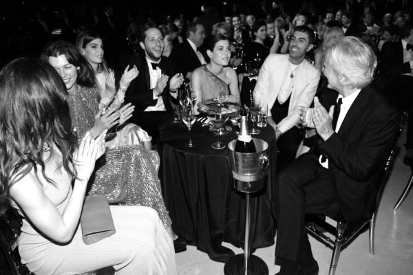 Mila Jovovich, Bianca Brandolini, Derek Blasberg, Charlotte Casiraghi et Giambattista Valli
